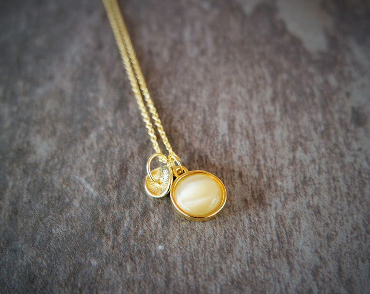 Ketten mittellang - Kette   Cat Eye gold Goldnugget - ein Designerstück von _IRMY_ bei DaWanda