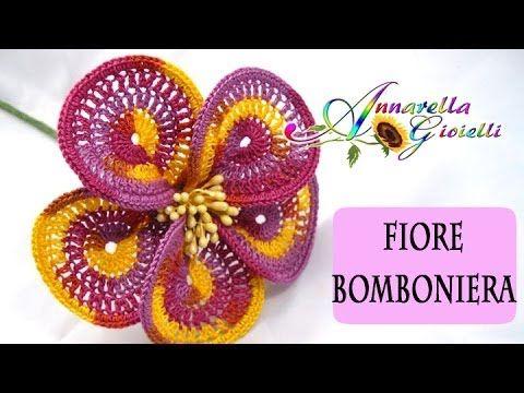 Tutorial Uncinetto | Fiore Bomboniera | How to crochet a flower - YouTube
