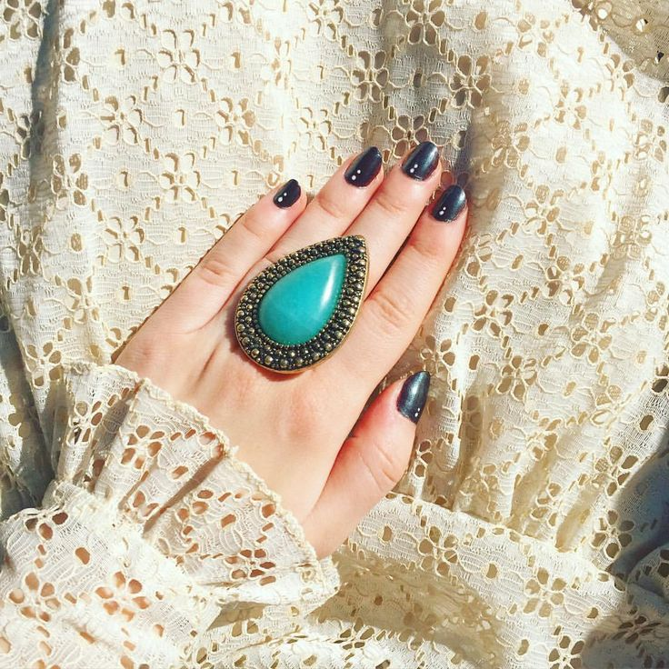 Black nails with two dots and Samantha Wills bohemian bardot jade ring