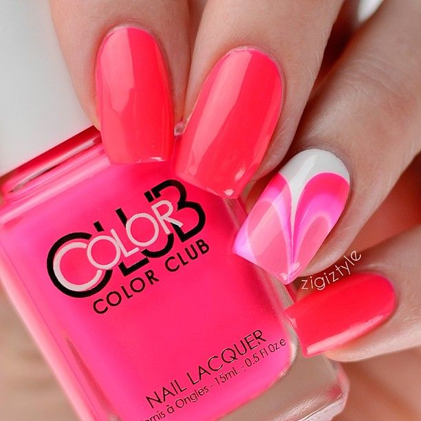 Valentines day watermarble nails #nailart #manicure #nails #naildesign #manicureideas #watermarblenails #valentinesday #pinknails