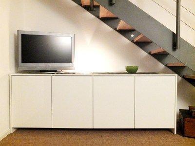 Kundenbild: Sideboard Mit Vier Elementen In Weiß Hochglanz Unter Der Treppe.