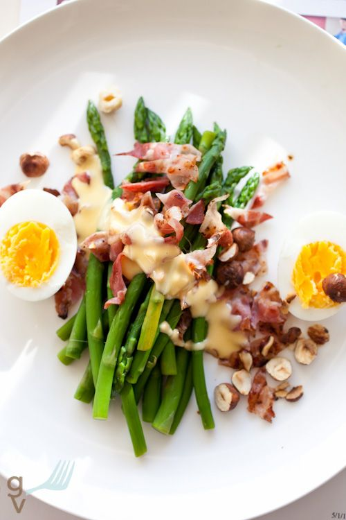 Roasted asparagus with hazelnuts, bacon and warm sauce. What's not to love?