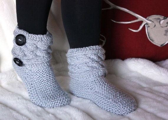 Pantoufles femme / bottes tricot femme / par NiconiaCreations