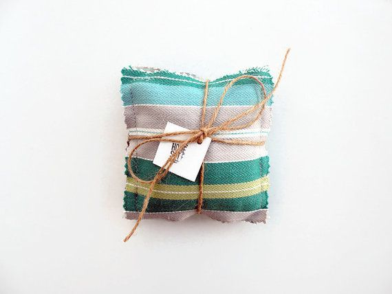 Lavender sachet bags with organic lavender,  a natural scent on your closet.