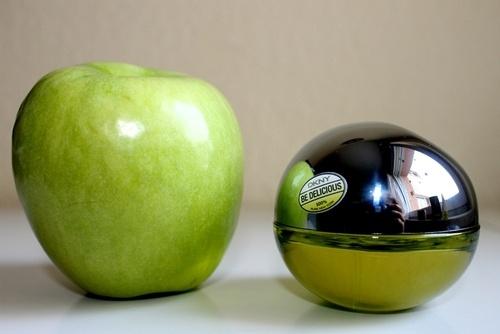 DKNY green apple mini.: Minis Dog Qu, Green Apples, Apples Minis, Dkny Green