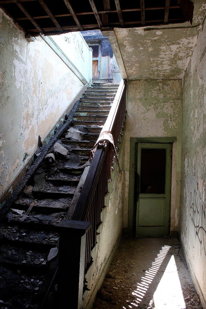 Rancho Los Amigos Hospital, California, USA | 10 Scariest Abandoned Hospitals in the world