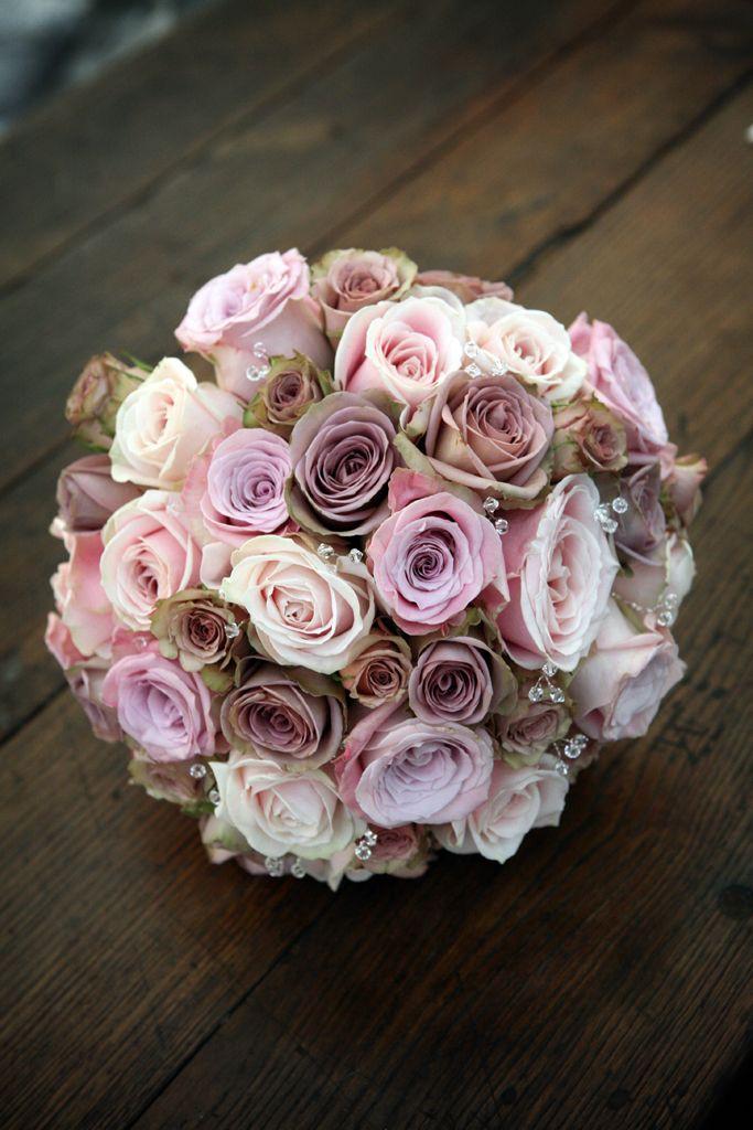#weddingflowers #bouquet #flowers #roses #antiqueroses #diamante