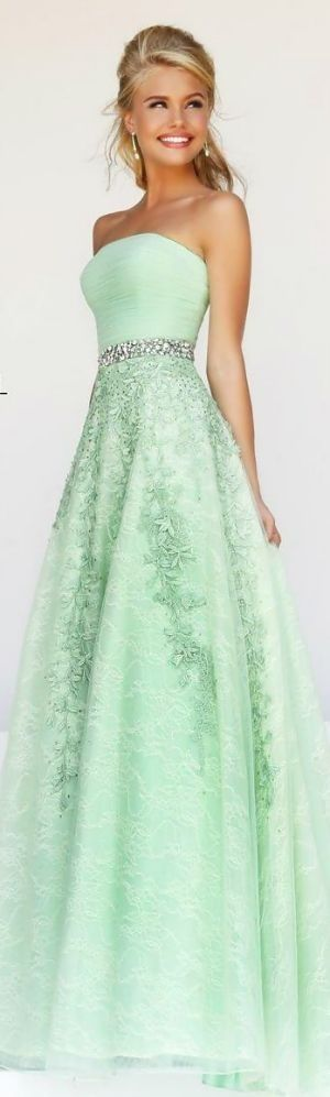 I LOVE, LOVE, LOVE this color ! I wish the pattern on the bottom was on the top instead and vice versa! (: prom dress #promdress /prom-dresses-us63_1