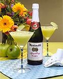 Virgin apple martini using Martinelli's cider. Yummy and non-alcoholic!