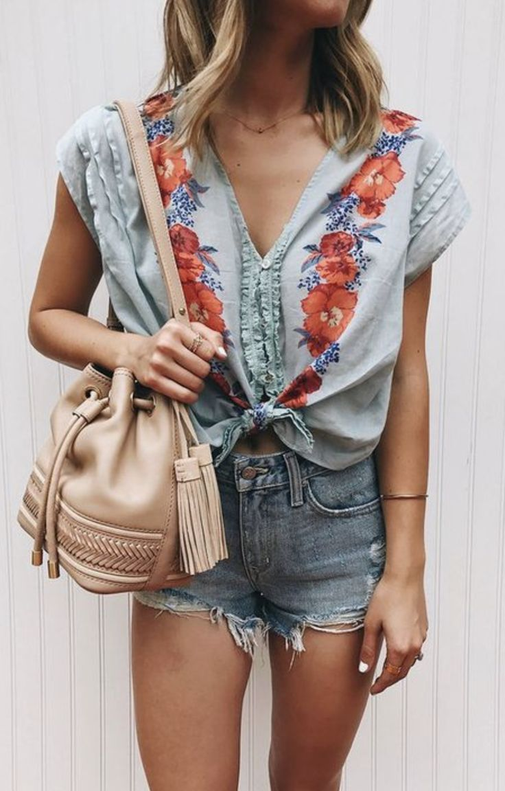 Blue Blouse with Red Floral Pattern + Highwaisted Jean Shorts + Beige Bucket Bag