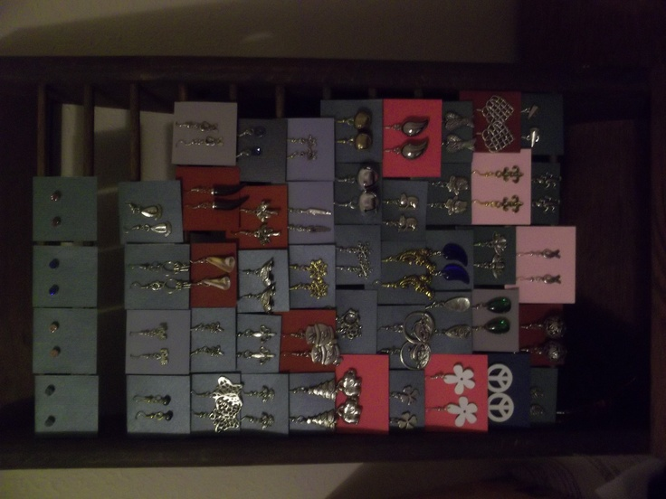 A few styles of earrings available.