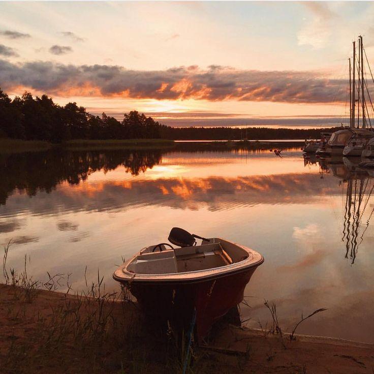 """VisitFinland on Instagram: """"The amazing light. Lovely sunrise by @julia_kivela from Nauvo harbor @visitarchipelago #visitarchipelago #visitfinland #finnishislands"""""""