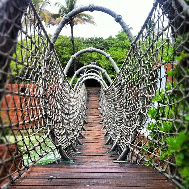 Rope Bridge at Atlantis Bahamas– Instagram
