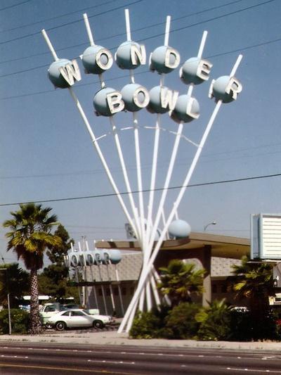 Wonder bowl - fabulous atomic era sign