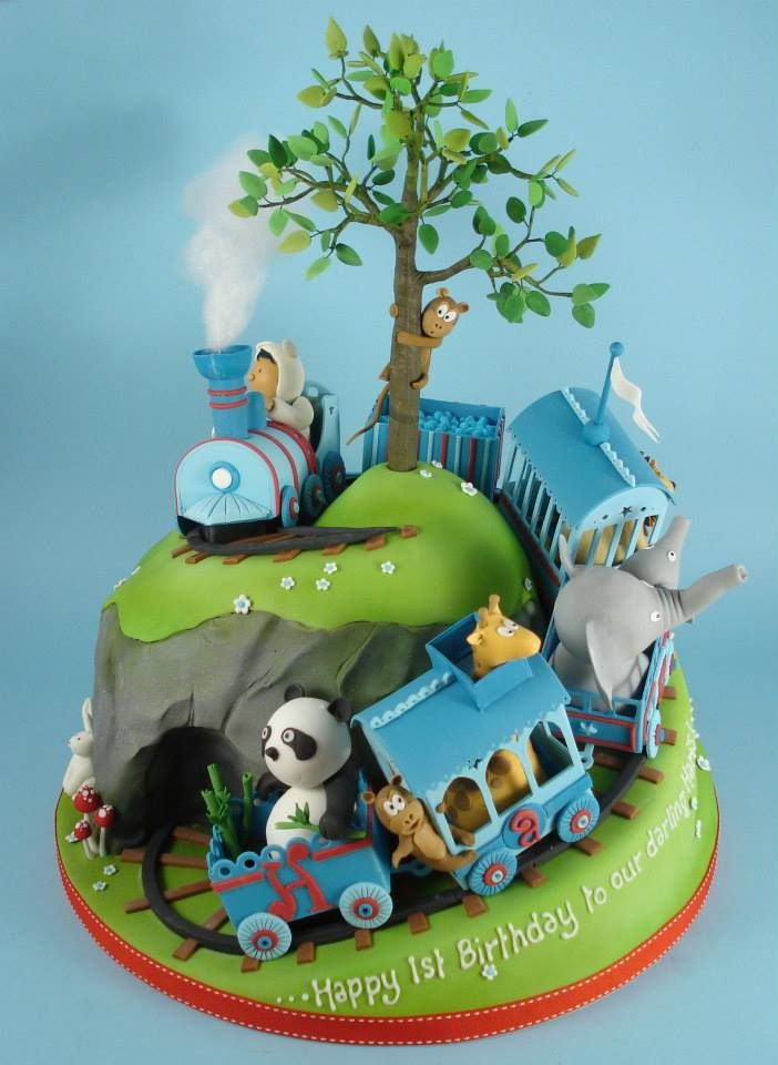 Train with cute animals Dannis Cakes https://www.facebook.com/pages/Dannis-Cakes/106496346062007