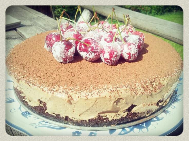 Tort cu mousse de ciocolata si cirese: Cu Mousse, Chocolate, Foam