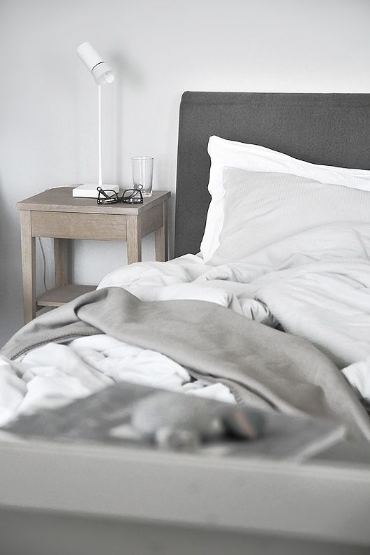 Light grey walls to make white sheets stand out