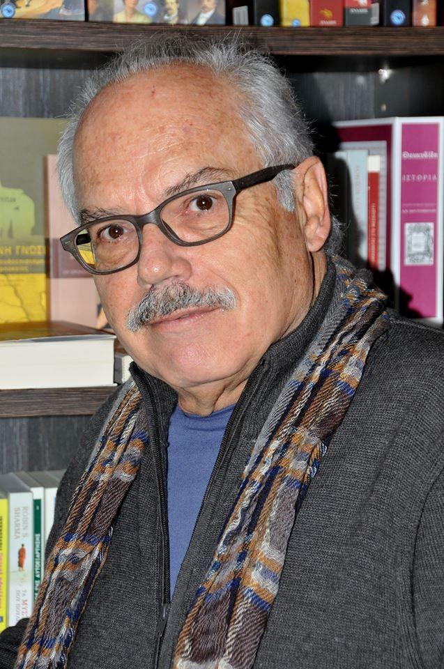 """Μάνος Κοντολέων: """"Όταν είμαι αισιόδοξος τότε γράφω για παιδιά, όταν πάλι είμαι πιεσμένος και θέλω να επαναστατήσω, τότε γράφω για τους εφήβους. Μα όταν είμαι φοβισμένος, τότεστρέφομαι στη λογοτεχνία για ενήλικες. """"Συνέντευξη στην Τέσυ Μπάιλα //   ΕΚΔΟΣΕΙΣ ΠΑΤΑΚΗ - PATAKIS…"""