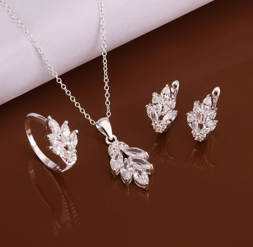 Be special: 925 silver fashion jewelry Crystal flower necklace...