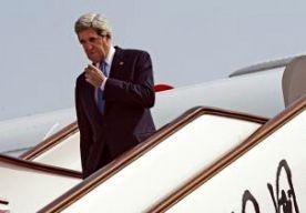 13-Apr-2013 7:14 - KERRY PRAAT IN CHINA OVER N-KOREA. De Amerikaanse minister van Buitenlandse Zaken John Kerry is in China aangekomen. Belangrijkste punt op de agenda is Noord-Korea. Pyongyang heeft de retoriek de laatste weken sterk opgevoerd. Het land dreigde de VS met een preventieve nucleaire aanval en zegt in oorlog te zijn met Zuid-Korea. Kerry was gisteren in de Zuid-Koreaanse hoofdstad Seoul. Daar zei hij dat Amerika nooit zal accepteren dat Noord-Korea een kernmogendheid wordt...