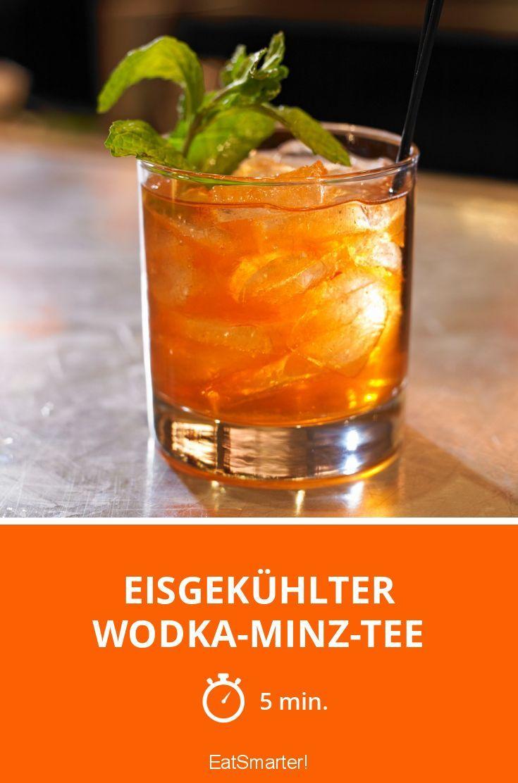 Eisgekühlter Wodka-Minz-Tee