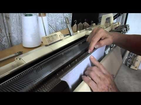 ▶ Knitting socks on single bed machine with Isaura Carvalho - YouTube