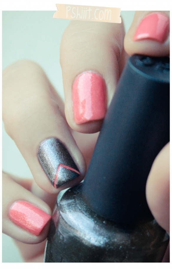 #Nails: Salmon & Silver: Eye Catch, Nails Art, Coral Nails Design, Corail Magique, Rings Fingers, Powder Nails, Best Nail Designs, Best Nails Design, Nails Designs