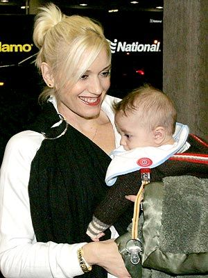 Gwen Stefani used to regularly ring sling her little guys.