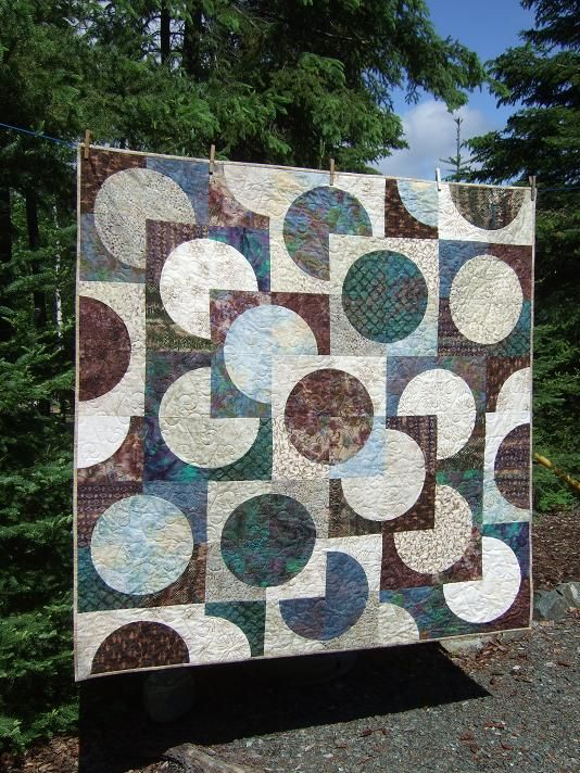 A fantastic circle quilt from Tamarack Shack