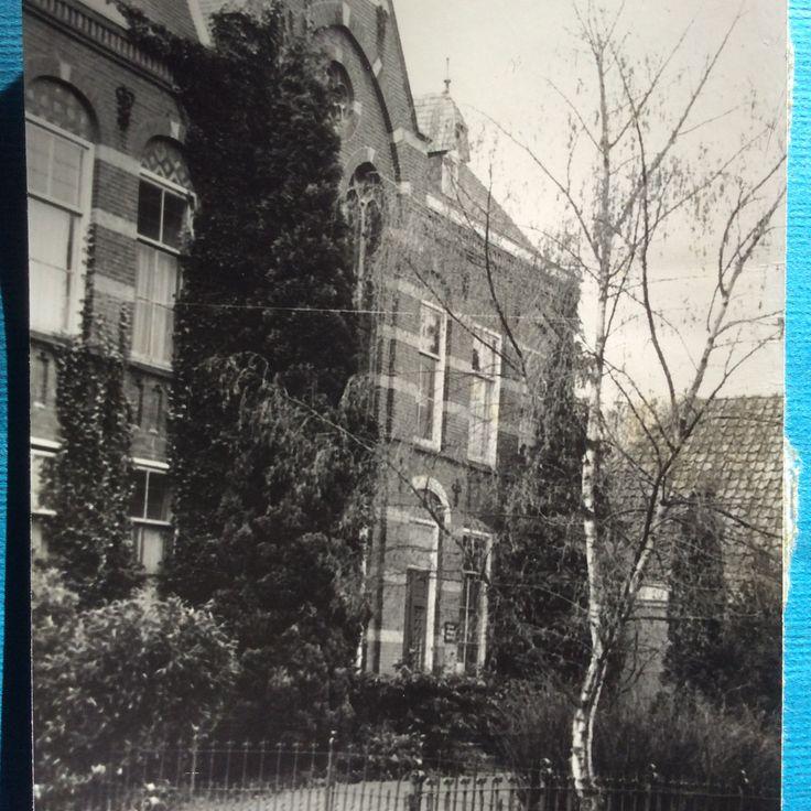 Ons mooie klooster in Lichtenvoorde .  In 1983 stond het er nog.