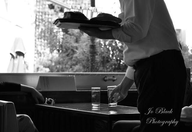 Σερβιτόρος / Waiter