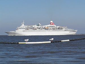 Black Watch. Ιδιοκτησία & Διαχείριση: Olsen Cruise Lines. 1972 ~ 1991 Royal Viking Star. 1991 ~ 1994 Westward. 1994 ~ 1996 Star Odyssey. 1996 ~ present, today;s name. Σε υπηρεσία από τις 26/06/1972. 28.613GT ~ 205,47 μ.μ. ~ 25,20 μ.πλ. ~ 7 κατ/τα ~  22knots ~ 820 επ. ~ 330 α.πλ.
