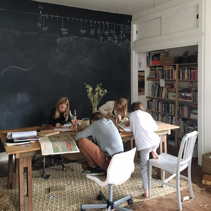 Minimalist Homeschool Room: It Always Feels So Good To Have A Little Routine Again: A