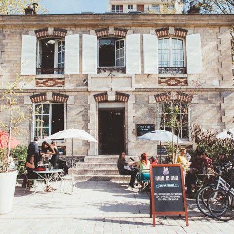 Le Pavillon des Canaux c'est un coffee shop, un endroit où l'on peut travailler, etc. Un lieu convivial et de rencontre où il fait bon vivre !!