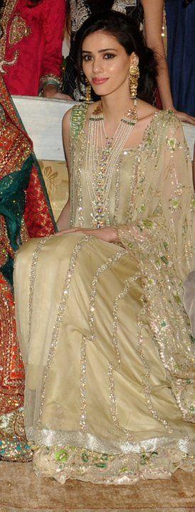 Gorgeous #Desi Bride