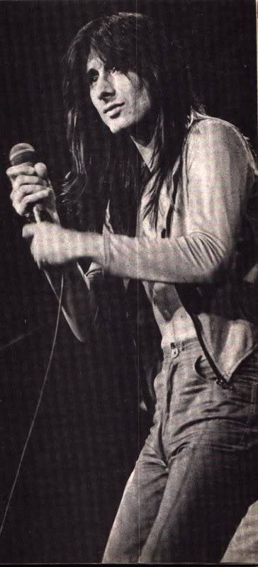 Steve Perry Love, his voice!!! Timeless!