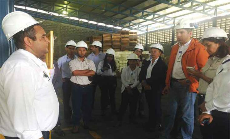 Centrales azucareros en crisis por falta de repuestos para maquinaria - http://www.notiexpresscolor.com/2016/12/05/centrales-azucareros-en-crisis-por-falta-de-repuestos-para-maquinaria/