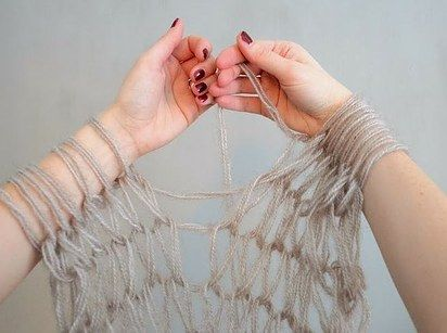 Arm knit a scarf in 30 minutes.