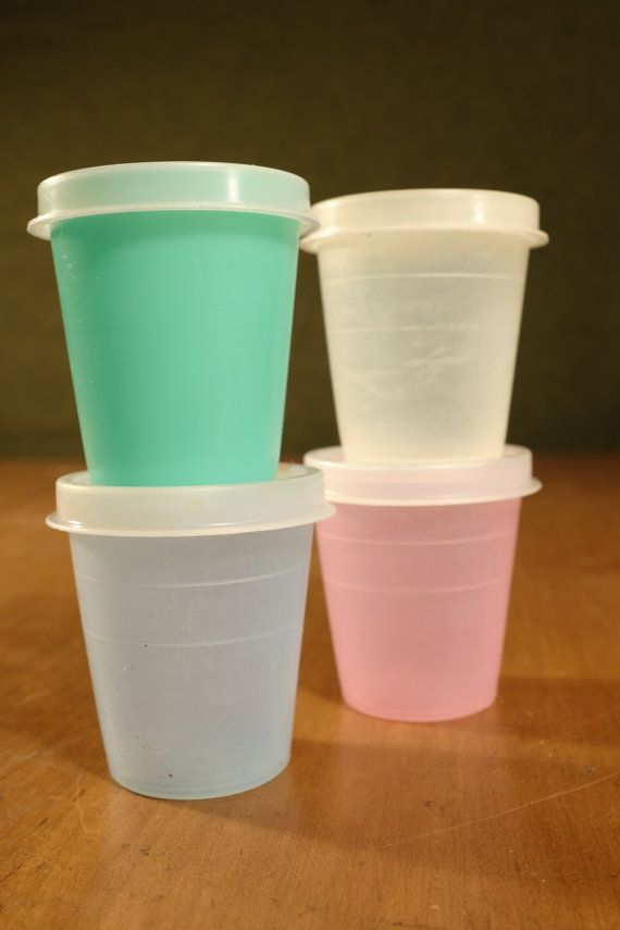 Hey, I found this really awesome Etsy listing at https://www.etsy.com/pt/listing/267147031/vintage-tupperware-orlando-fla-juice