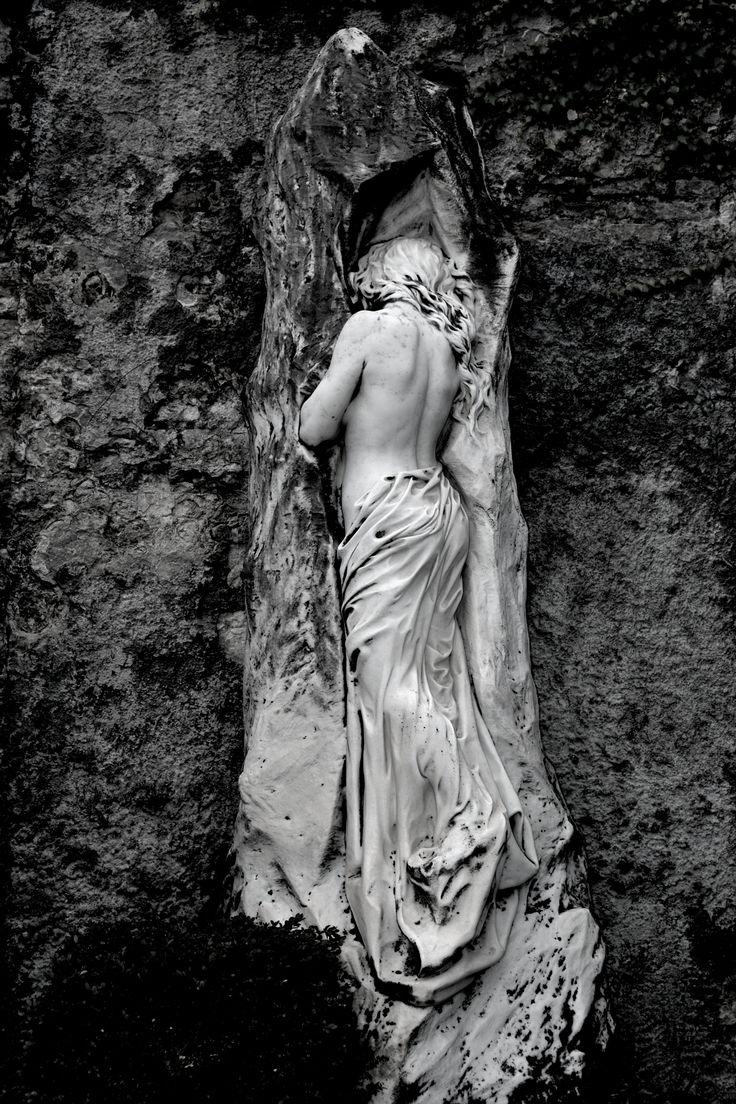 Cimitero Sant'Anna. Photographer unknown. #cemetery #gravestone #sculpture
