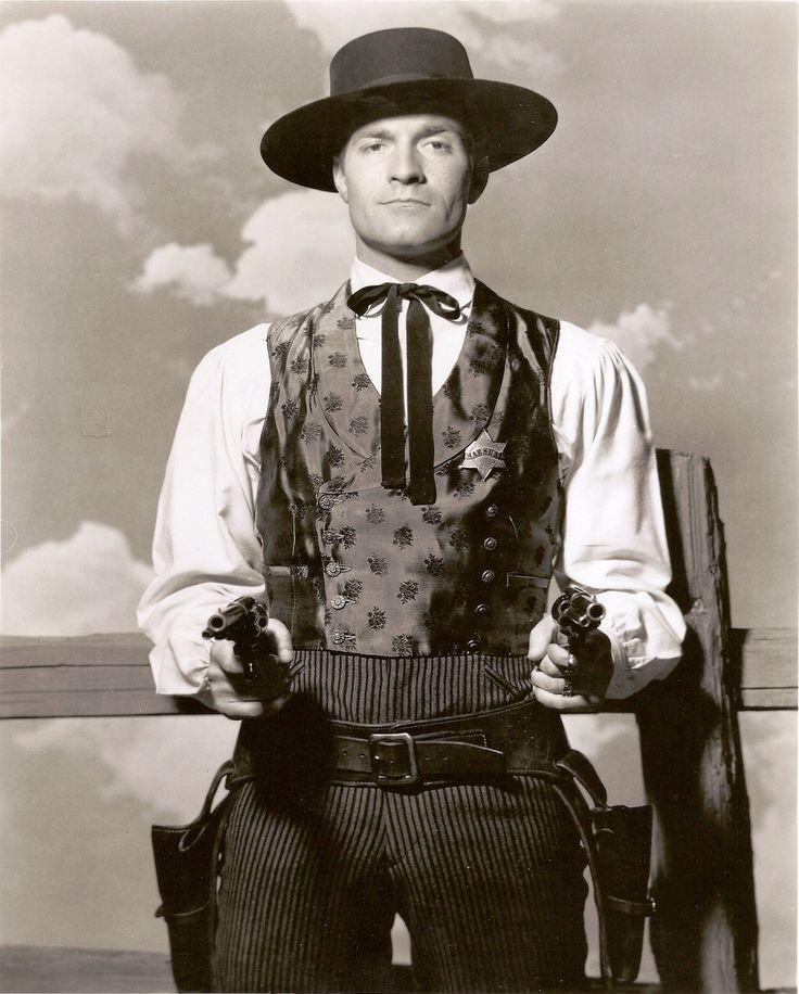 Hugh O'Brian as wyatt Earp