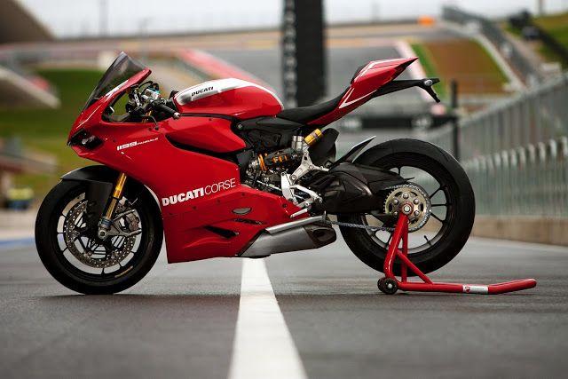 Racing Cafè: Ducati 1199 Panigale R 2013