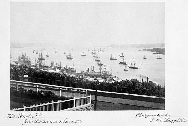 Arrivée de bateaux à Grosse Isle pour une période de quarantaine pour chaque arrivant au Canada.
