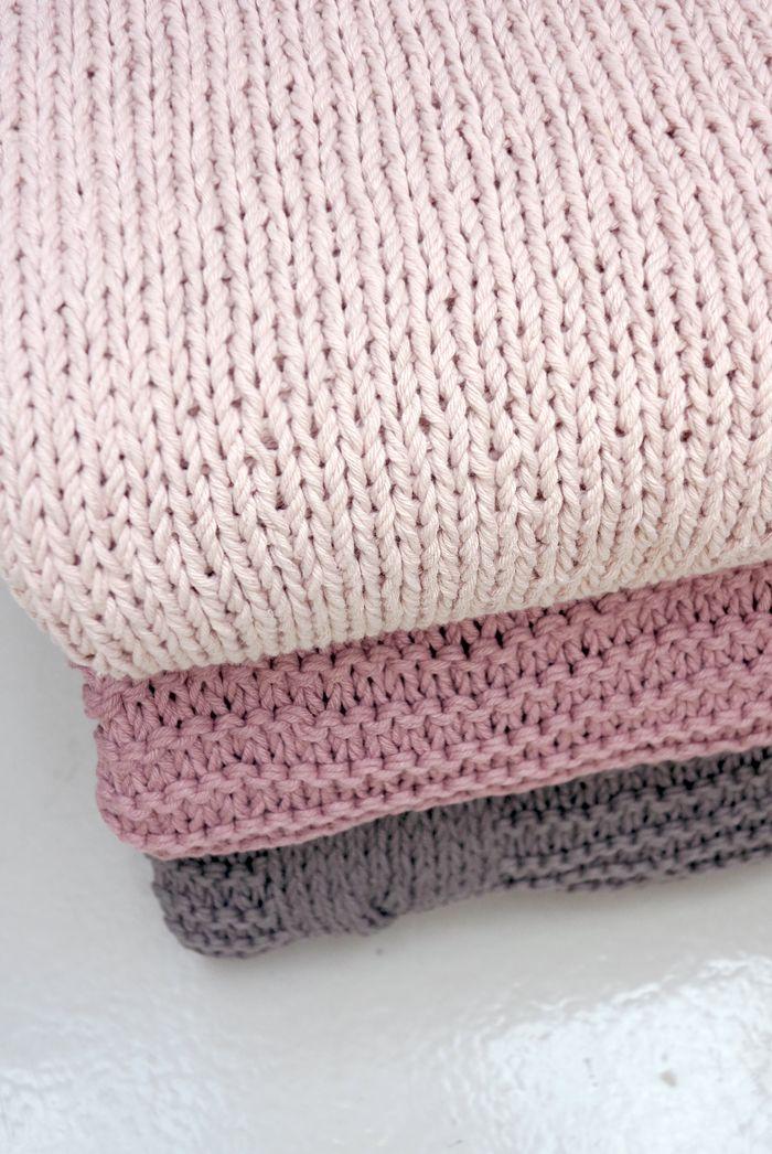 Stylizimoblog : Broste Copenhagen knitted blankets at Designtrade DK. #styling #designtrade