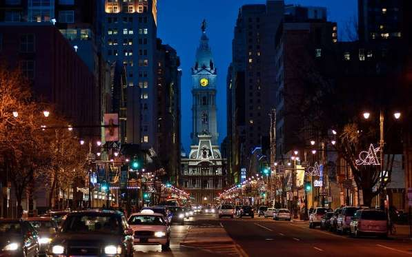 PHILADELPHIA, PENNSYLVANIA: To get a more exclusive look at Independence Hall, take the Independence After Hours tour, which includes dinner at City Tavern and an appearance by Thomas Jefferson.
