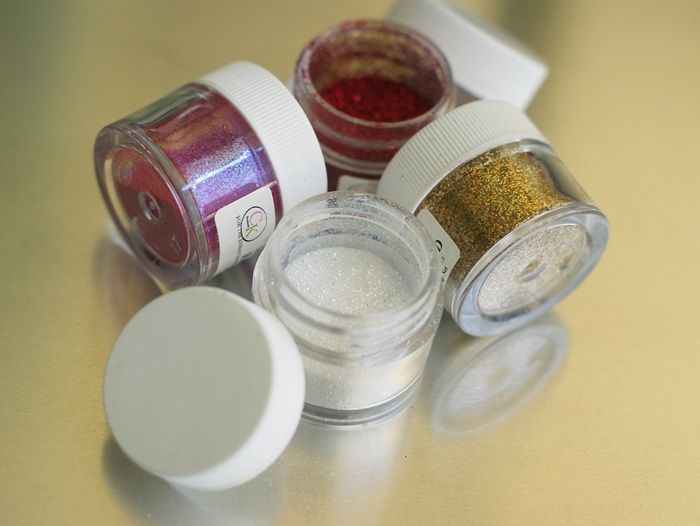Bake at 350: How to Apply Disco Dust...Works for Me Wednesday