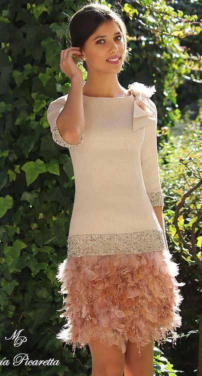 Flechazo #innovias, vestidazo de invitada para una boda de invierno. https://innovias.wordpress.com/2017/02/06/top-10-de-innovias-en-tocados-y-pamelas-para-invitadas/