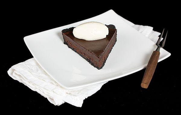 La Mia Vita Dolce: Oreo Chocolate Truffle Tart with Chocolate Glaze {Crostata al Cioccolato con Glassa al Cioccolato}