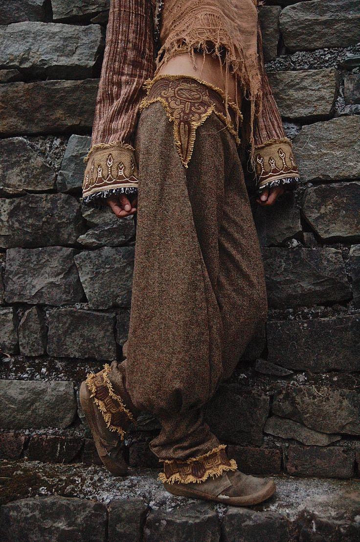 Wollene Damen Hose Hosen mit Maya Azteken-Stickereien