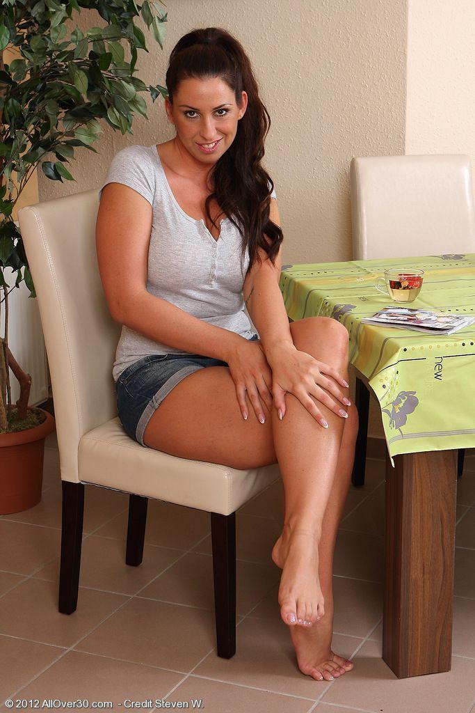 Marissa Tait Nude Photos